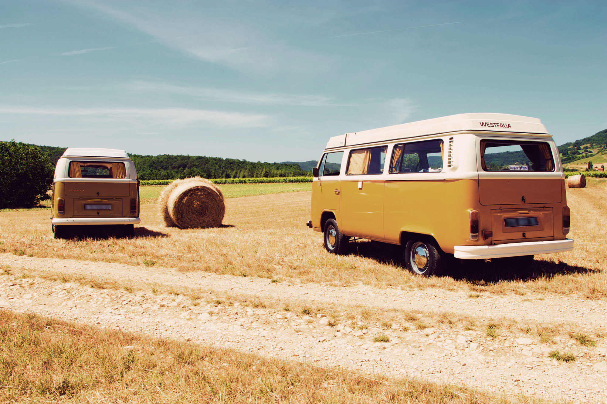 Seventies-Combi_location-rental-VW-01-Beaufort-Gervanne-RVB